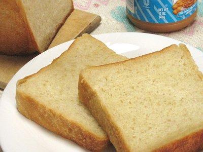 ピーナッツバターを使った食パン