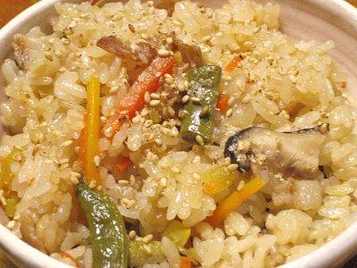中華風豚バラ肉の炊き込みご飯