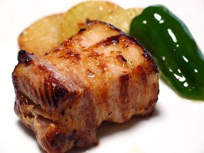 厚切り豚バラ肉の塩糀焼き