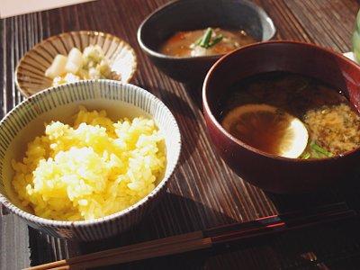 郷土飯:黄飯 塩糀かやく / 香の物 卵黄糀漬 糀屋本店味噌