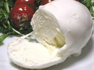 水牛のモッツァレラ / カゼイフィーチョ チーロエスポージト